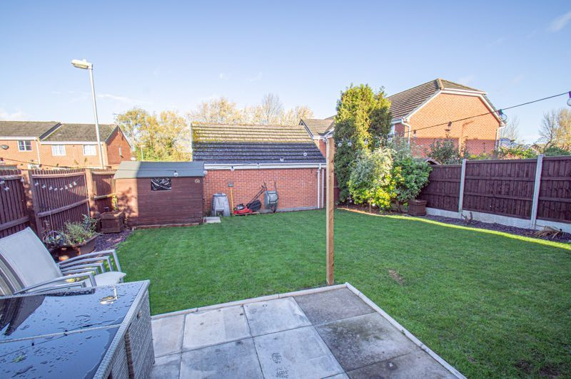 5 bed house for sale in Pulman Close  - Property Image 16
