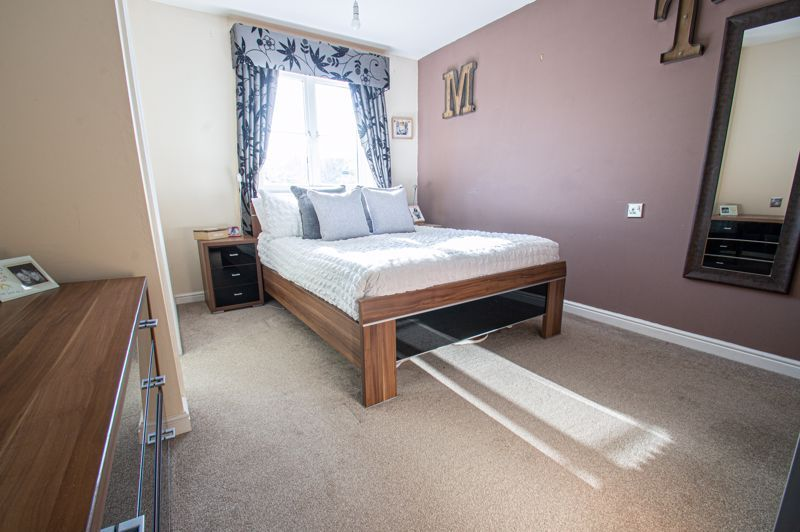 5 bed house for sale in Pulman Close  - Property Image 6