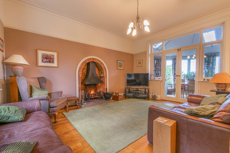 6 bed house for sale in Ferney Hill Avenue 1