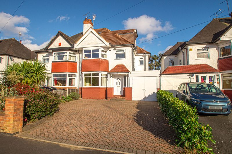 5 bed house for sale in Frankley Avenue - Property Image 1