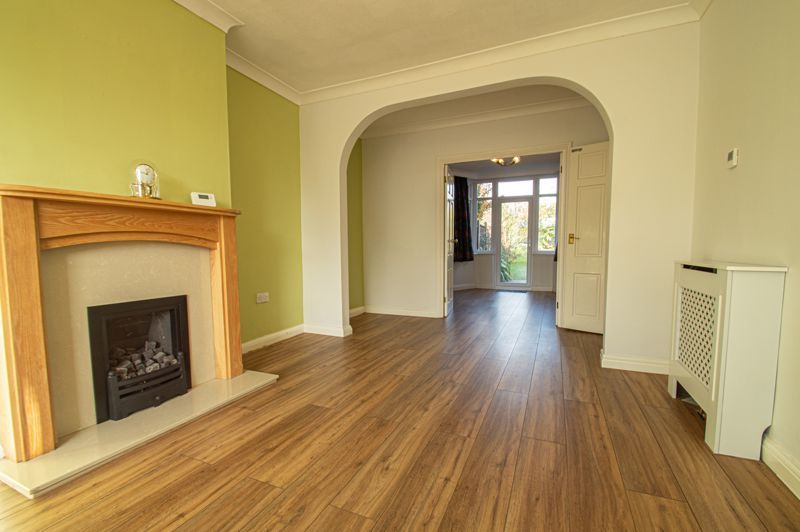 5 bed house for sale in Frankley Avenue  - Property Image 2