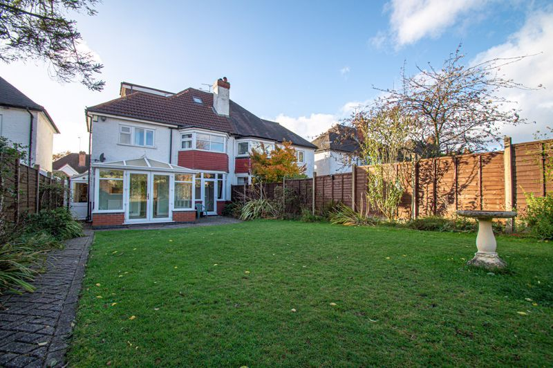 5 bed house for sale in Frankley Avenue 20