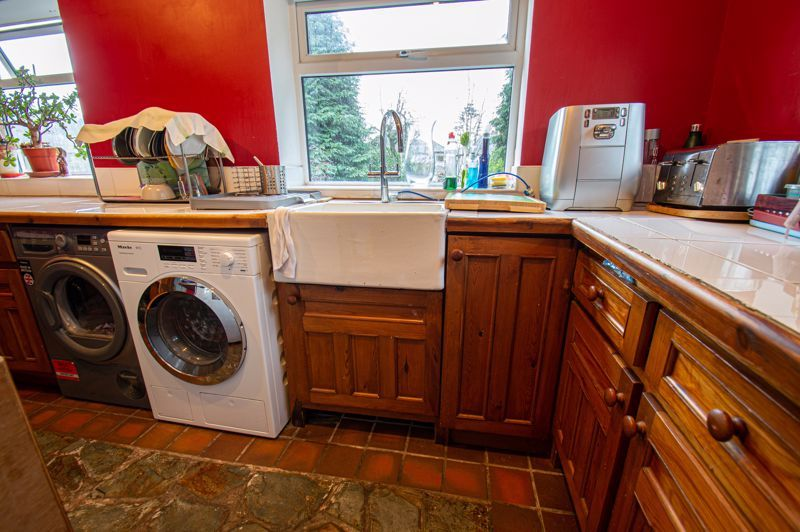 3 bed house for sale in Lyttleton Avenue 5