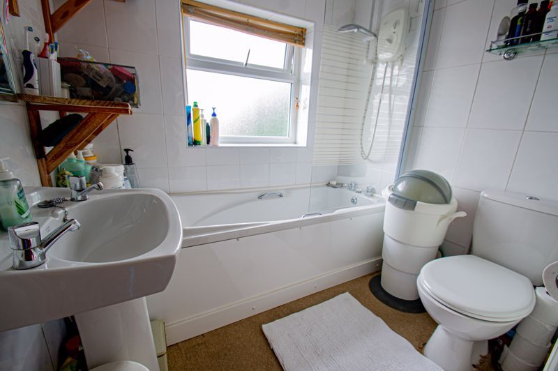 3 bed house for sale in Lyttleton Avenue 9