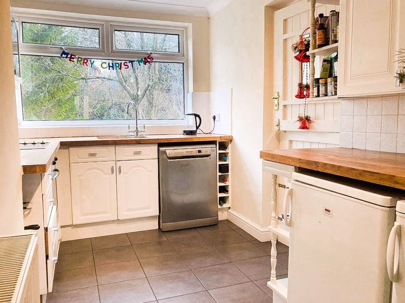 3 bed house for sale in Coney Green 5