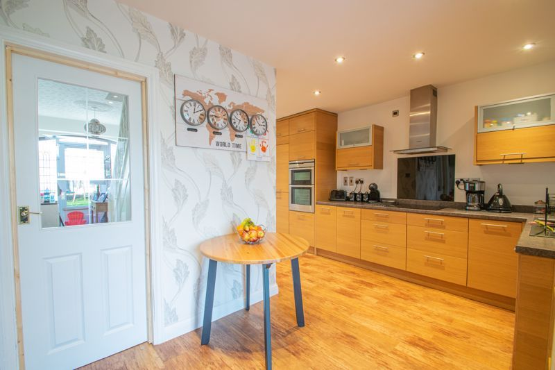 5 bed house for sale in Frankley Avenue 16