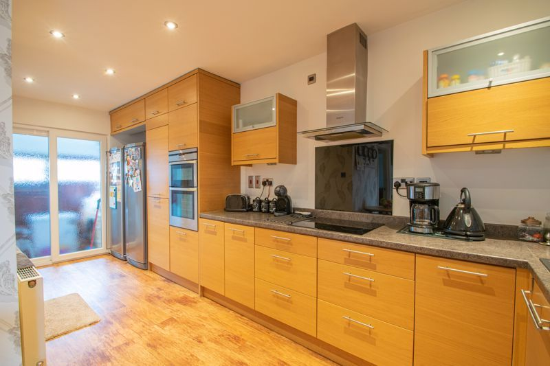 5 bed house for sale in Frankley Avenue 5