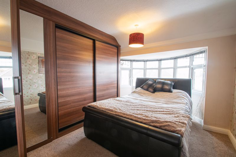 5 bed house for sale in Frankley Avenue 7