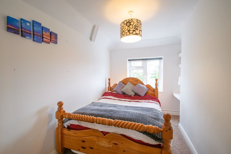 5 bed house for sale in Frankley Avenue 10
