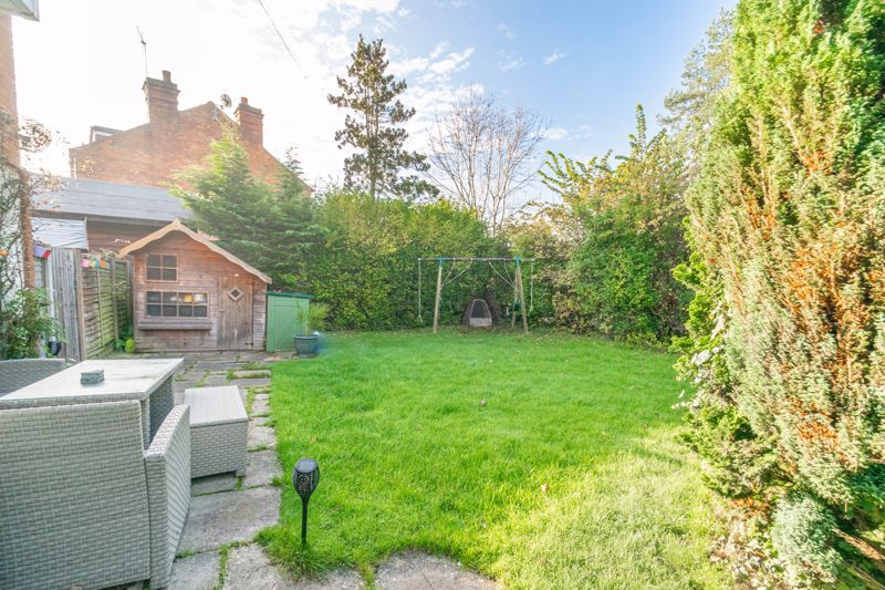 4 bed house for sale in Birmingham Road 13