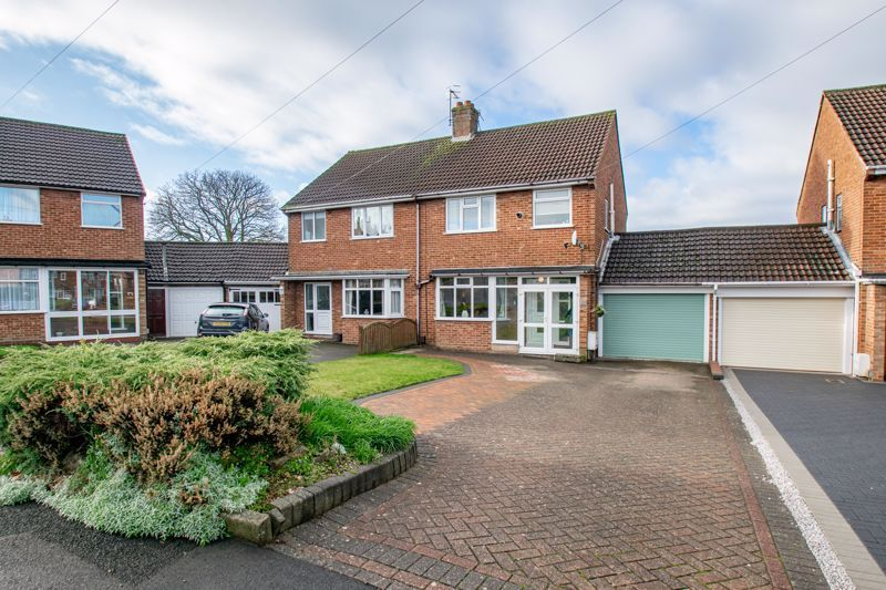 3 bed house for sale in Green Slade Crescent  - Property Image 1