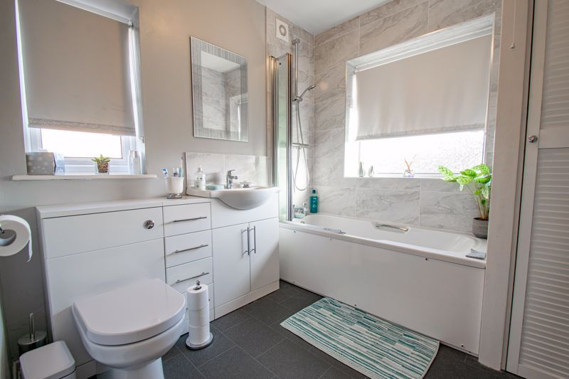 3 bed house for sale in Green Slade Crescent 11