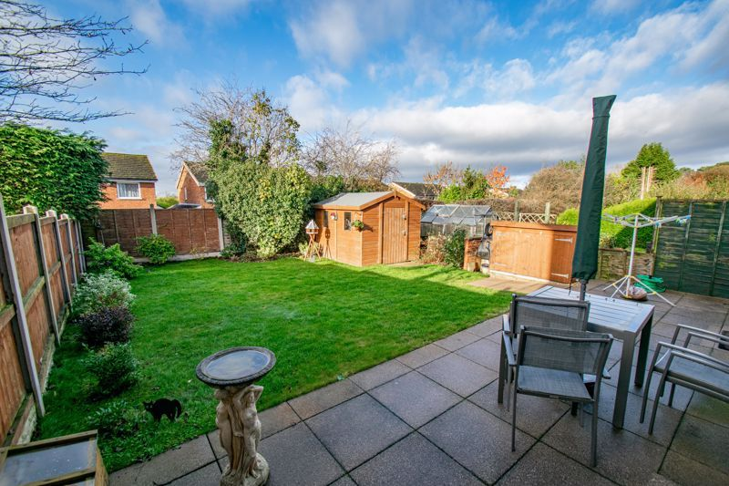 3 bed house for sale in Green Slade Crescent 13