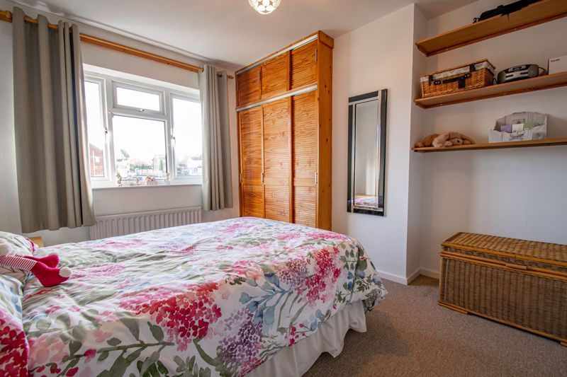3 bed house for sale in Green Slade Crescent 10