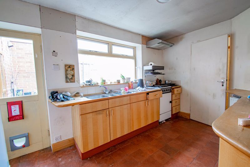 3 bed house for sale in Cleveland Street 6