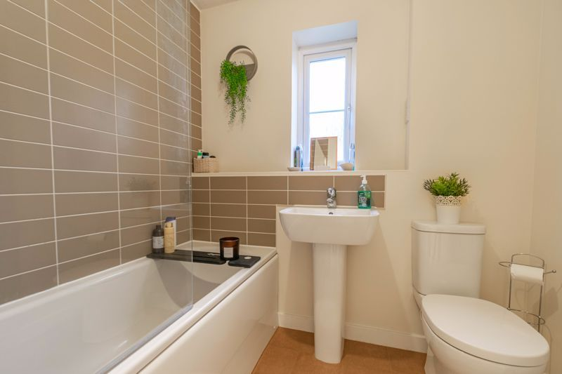 2 bed house for sale in Hurricane Avenue  - Property Image 11