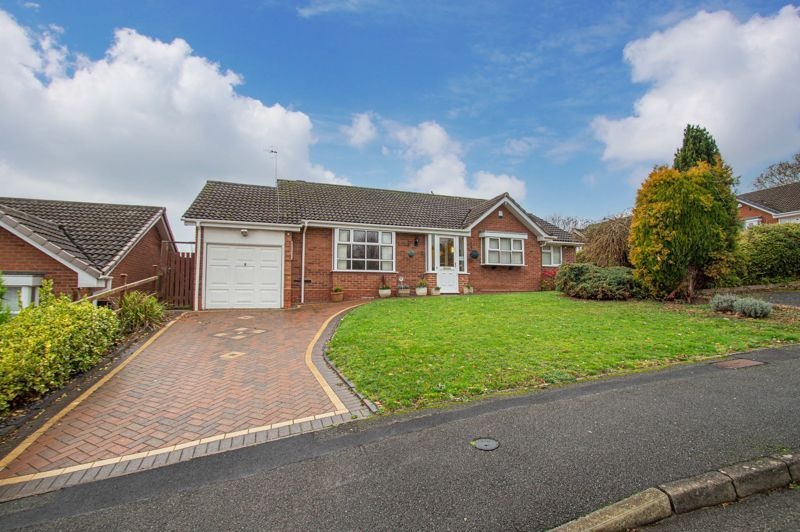 2 bed bungalow for sale in Ridings Lane 1