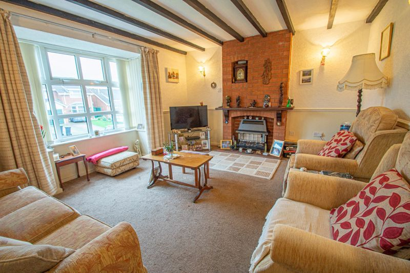 2 bed bungalow for sale in Ridings Lane  - Property Image 2