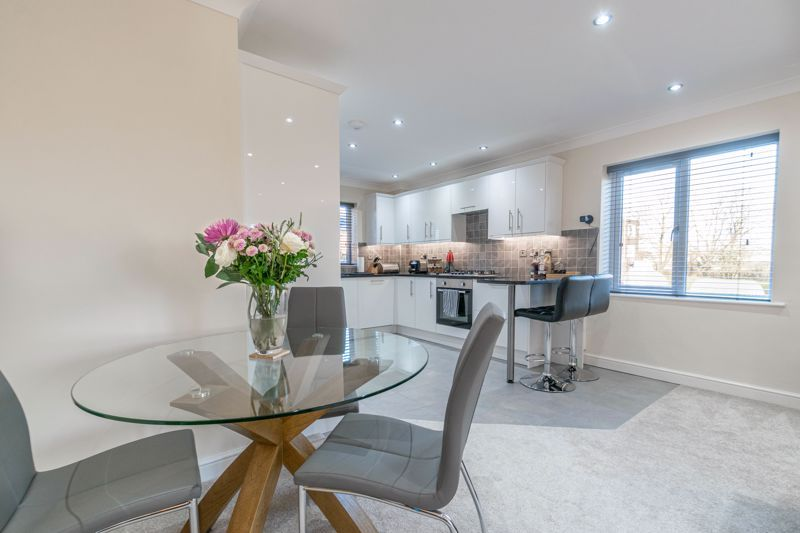 2 bed flat for sale in Brookes Close - Property Image 1