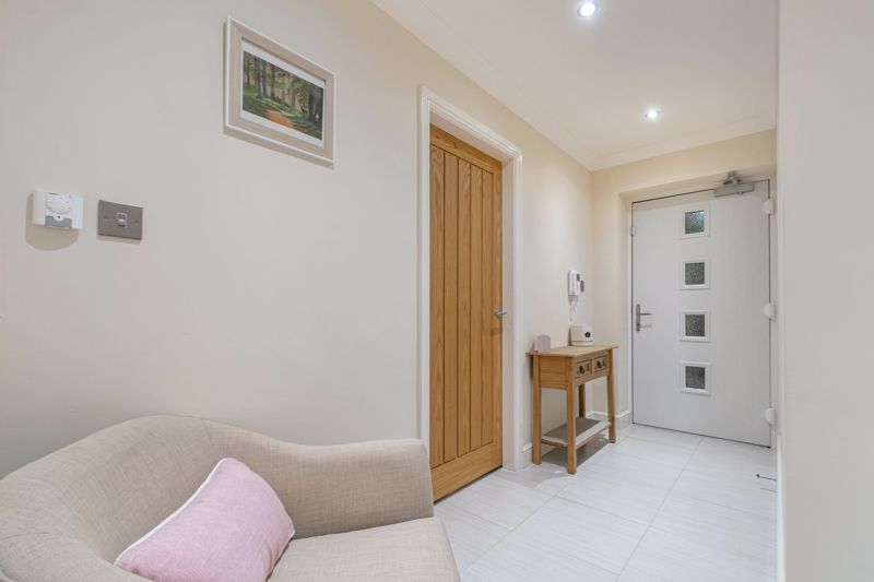 2 bed flat for sale in Brookes Close 12