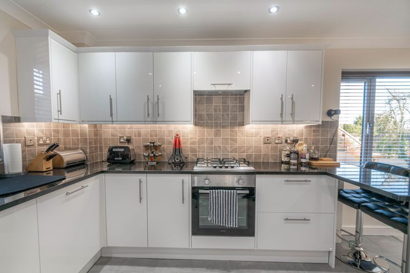 2 bed flat for sale in Brookes Close 5