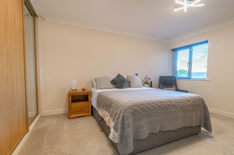 2 bed flat for sale in Brookes Close  - Property Image 7