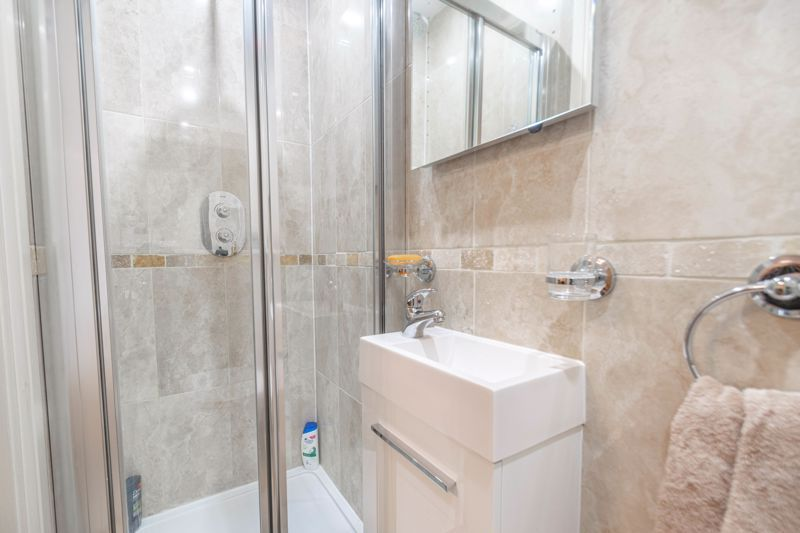 2 bed flat for sale in Brookes Close 9