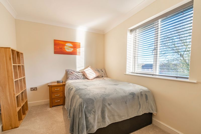 2 bed flat for sale in Brookes Close 10