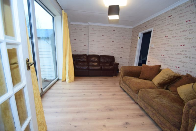 3 bed house to rent in Lyttleton Avenue 3