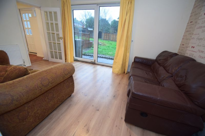 3 bed house to rent in Lyttleton Avenue 4