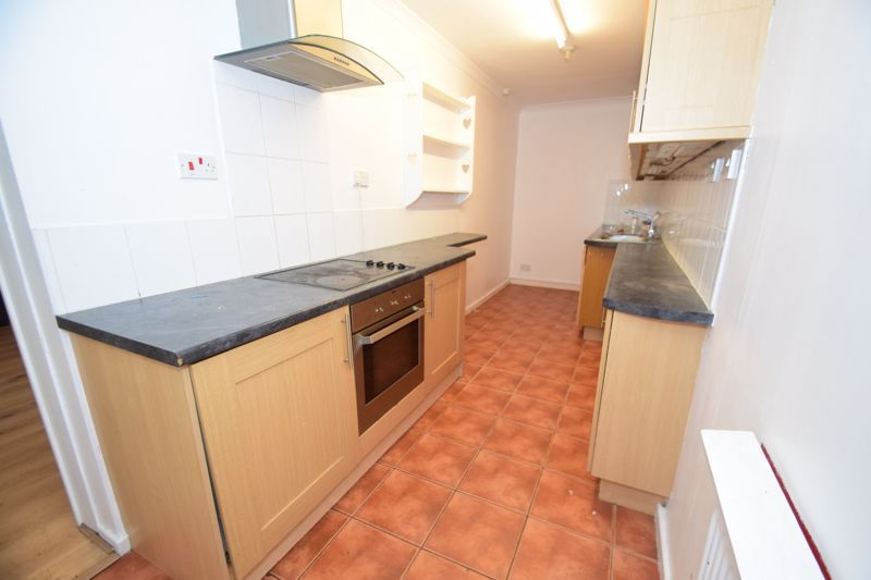 3 bed house to rent in Lyttleton Avenue 5