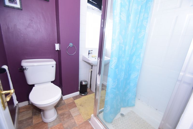 3 bed house to rent in Lyttleton Avenue 6