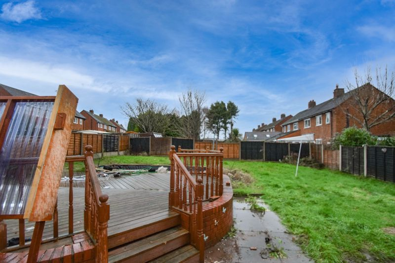 3 bed house to rent in Lyttleton Avenue 10