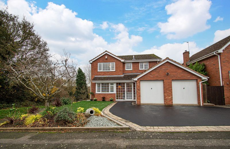 4 bed house for sale in Weatheroak Close 1