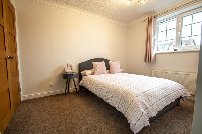 4 bed house for sale in Weatheroak Close 11