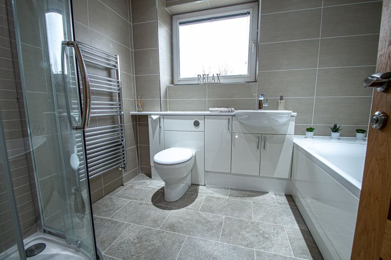 4 bed house for sale in Weatheroak Close  - Property Image 13