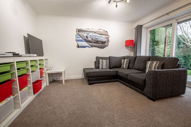 4 bed house for sale in Weatheroak Close 7