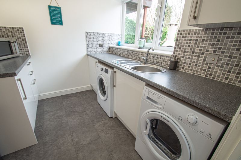 4 bed house for sale in Weatheroak Close 8