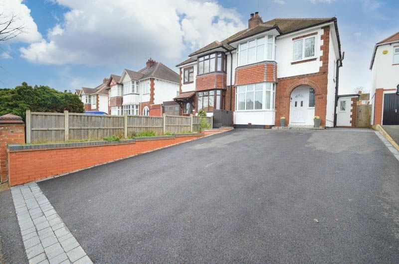 3 bed house for sale in Studley Road - Property Image 1