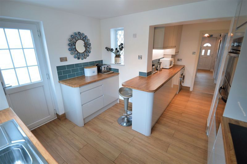 3 bed house for sale in Studley Road  - Property Image 2