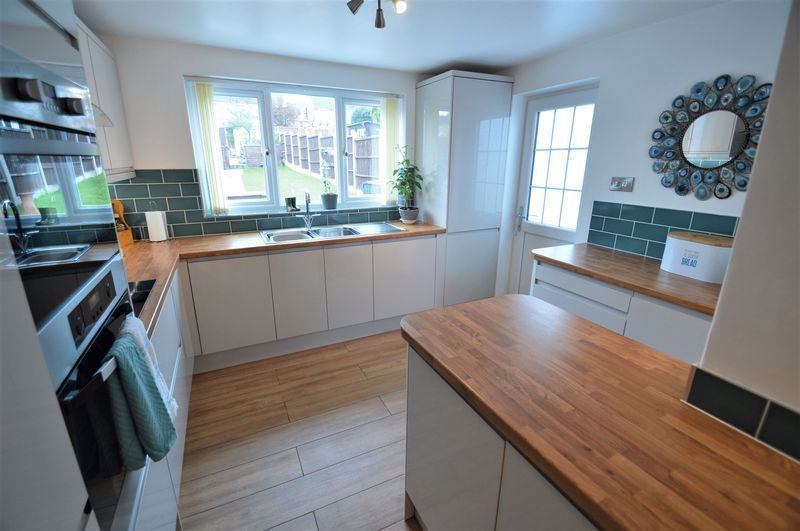 3 bed house for sale in Studley Road 3