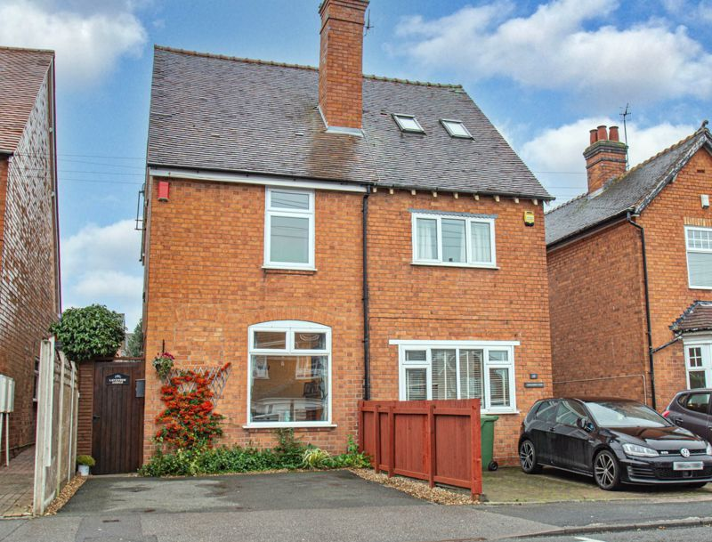 2 bed house for sale in Alcester Road 1