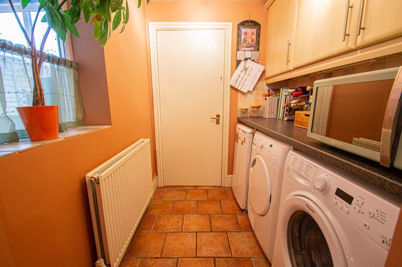 2 bed house for sale in Alcester Road 5