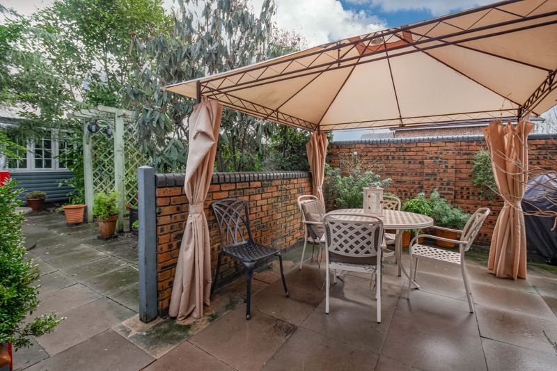 3 bed house for sale in Broadwas Close 14