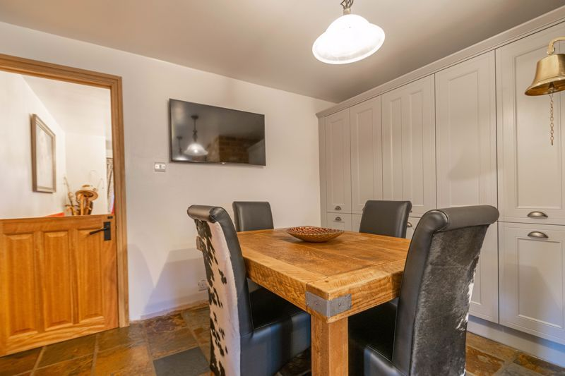 3 bed house for sale in Broadwas Close 4