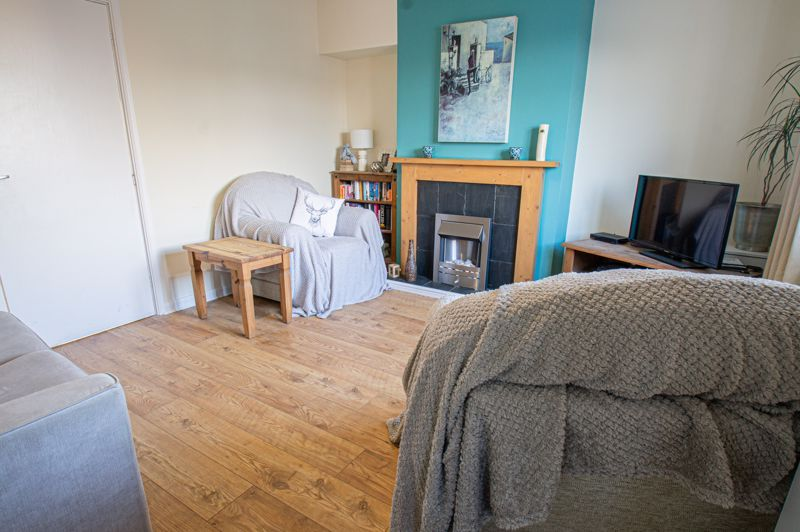 2 bed house for sale in Highfield Crescent  - Property Image 3