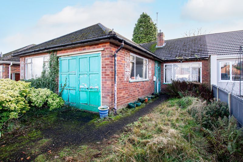 3 bed bungalow for sale in Hungerford Road - Property Image 1