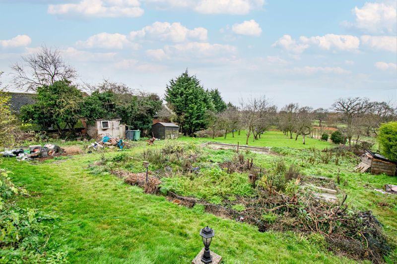 2 bed cottage for sale in Foley Gardens  - Property Image 2