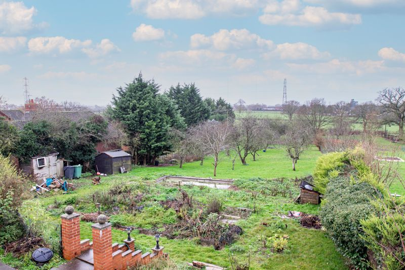 2 bed cottage for sale in Foley Gardens 14
