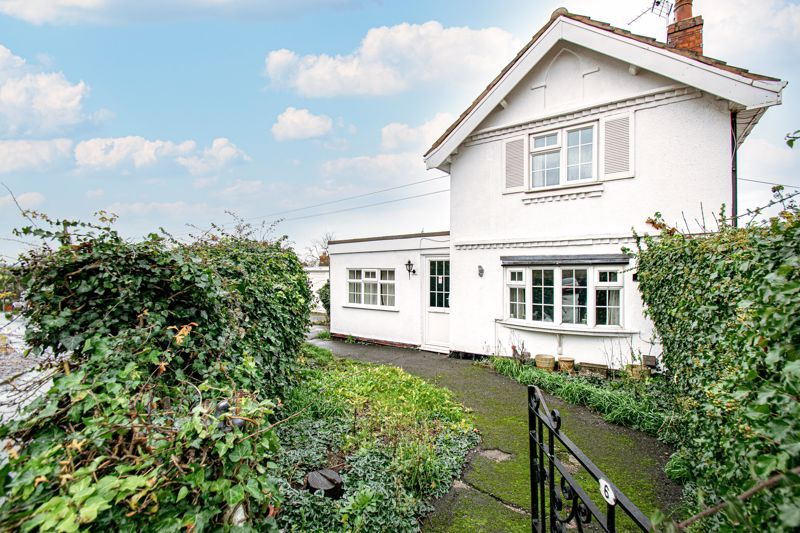 2 bed cottage for sale in Foley Gardens 15